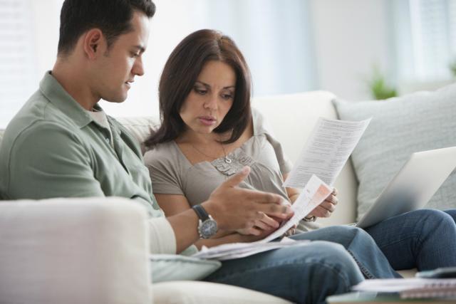 Kāpēc Divu ienākumu Pāri vajadzētu dzīvot kopā ar saviem ienākumiem