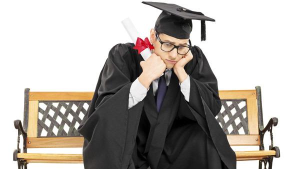 Cómo recientes graduados universitarios pueden invertir
