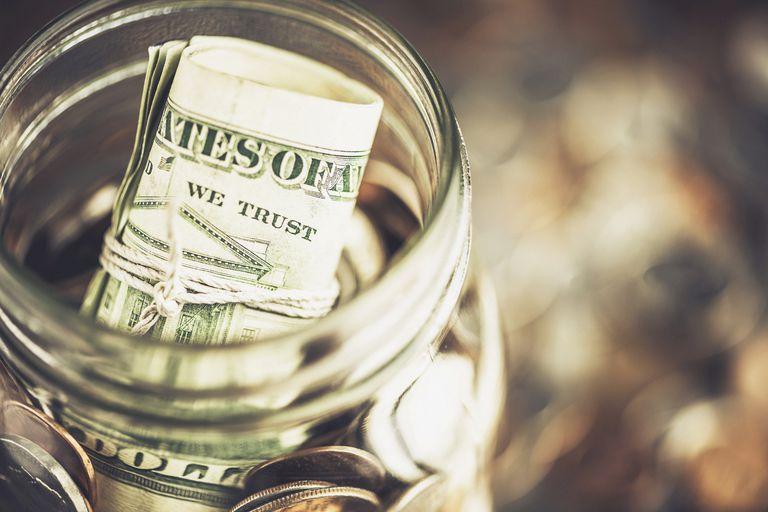 Kuinka paljon rahaa sinun pitäisi säästää joka kuukausi?