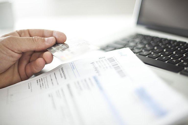 Борг Snowball проти боргу Stacking - Який борг Payoff метод краще?