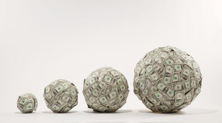 Koks skirtumas tarp augimo ir vertės investuoti?