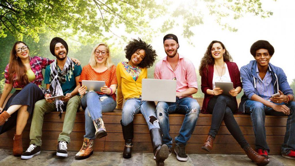 ¿Por qué los estudiantes tarjetas de crédito las empresas objetivo de la universidad