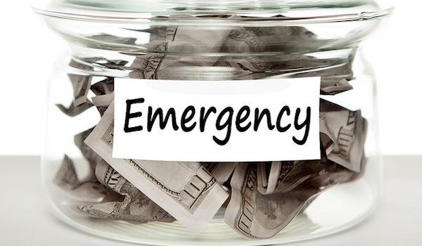 Колко трябва да имам в моята спешно пари фонд?