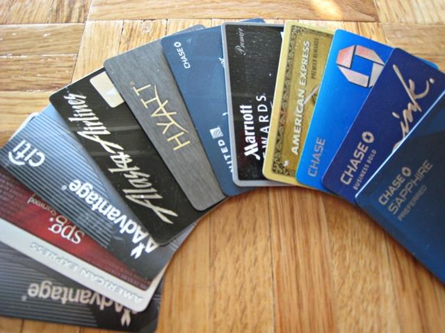 ما هي بطاقة الائتمان الخضخضة وكيف نفعل ذلك بالطريقة الصحيحة
