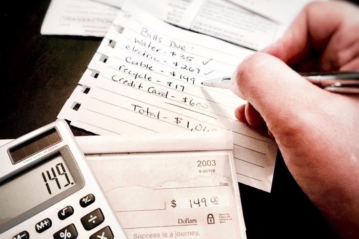 Perché paghiamo le fatture della carta di credito Più di una volta al mese