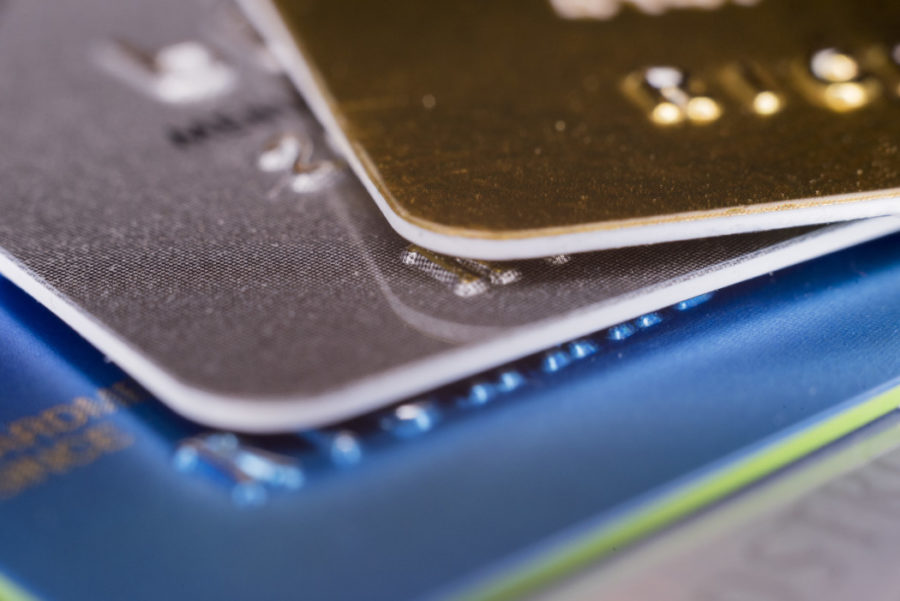 Три правила за печелите награди на кредитни карти, без да навреди на вашата кредитна